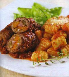 Aprenda uma receita bem simples de carne, veja como fazer um delicioso bife à rolê de panela com bacon e calabresa para acompanhar arroz ou purê de batatas.