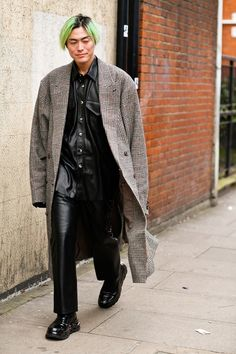 Black Overcoat, Wool Overcoat, Cropped Leather Jacket, Leather Blazer, London Fashion Week Mens, Fashion Men, Straight Cut Jeans, Safari Jacket, Double Denim