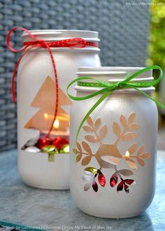 Christmas Luminaries DIY tutorial by Debbie of My Patch of Blue Sky. DIY Christmas Luminaries with Mason Jars and Modern Masters Metallic Paint Christmas Luminaries - Jingle Bell base with tealight 15 Easy Mason Jar Christmas Craft Ideas - This Tiny Blue Mason Jar Christmas Crafts, Mason Jar Crafts, Mason Jar Diy, Holiday Crafts, Christmas Diy, Christmas Lights, Modern Christmas, Party Crafts, Christmas Lantern Diy