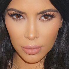 Kim Kardashian Selfie, Kim Kardashian Makeup Looks, Matte Makeup, Makeup On Fleek, Photo Makeup, Beauty Tutorials, Makeup Goals, Everyday Makeup, Beauty Make Up