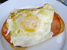 Healthy Breakfast Egg Sandwiches  Here's a great recipe for healthy breakfast egg sandwiches. They're super easy. And delicious. I feel satisfied much longer when I begin the day with protein, especially eggs. There are lots of studies to back this up. <em class=short_underline> Eating lean protein is a wonderful way to slim down and lose weight </em> .A study in Saint Louis found that eating eggs for breakfast could decrease...