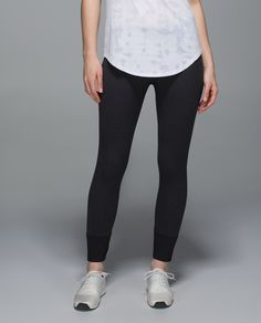 We designed these sleek, lightweight pants so you can flow easily through your practice and day. Breathable fabric and a seamless construction help keep you comfortable whether you're sitting in Lotus pose, a deep squat or an armchair at the coffee shop.
