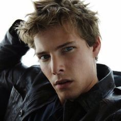 Silas from Weeds ... Hunter Parrish ... THE Beautiful Boy!!!