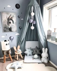 A bit of nursery design inspo via 😍 Grab some star cushions, wall stickers and a nursery canopy from Nordlife and create a dreamy nook of your own ✨
