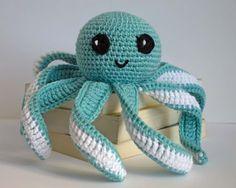 Octopus, Krake, Tintenfisch zum häkeln...auf der Seite gibt es die kostenlose Anleitung ( nicht in deutsch) mit vielen Bildern zum nachmachen