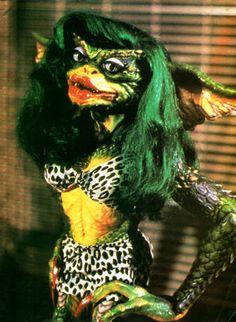 Greta Gremlin - Gremlins The New Batch Gremlins Costume, Les Gremlins, Gremlins Gizmo, New Beverly Cinema, Amblin Entertainment, Arte Disney, Costume Makeup, Cultura Pop, Fantasy Creatures