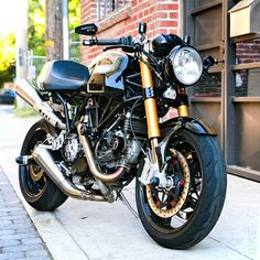 "Ducati Sport 1000 Custom ""Black/Gold"""