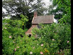 the oldest man made building in Australia. It was the cottage Captain Cooks father lived in in England and was bought by the Victorian State Government and moved to Australia Brick by brick.