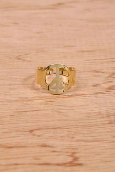 Urban Outfitters Vintage Jewellery Gold Peace Sign Ring £3