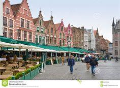 market-square-bruges-belgium-march-not-many-tourists-people-walking-around-raining-58152089.jpg (1300×958)