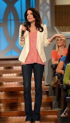Bethenny: White blazer + pink blouse + jeans
