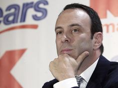 Sears CEO thinks the company won't go belly up just yet