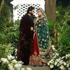 Beautiful Emerald Green Dupatta and Burgundy Red Lehenga with Heavy Embroidery is a Staple in Indian and Pakistani Weddings❤❤ @finessejewels #usa #redgreen #weddingseason #pakistanibride #uae #tikka #weddingdiary #indianbride #pakistaniweddings #indianwedding #dubai #royalbride #desibride #qatar #punjabibride #indianweddings #thepakistanibride #indianjewelry #kundanjewellery #weddingshoot #rajputana #desidresses #weddingphotography #barat #doha #maharani #heritage #oldisgold…