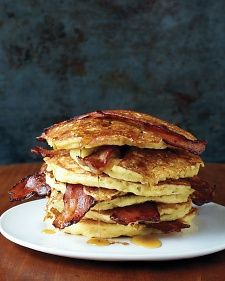 These bacon pancakes satisfy both the sweet and savory senses. Surprise your family with this breakfast on Saturday or Sunday morning. Get the Bacon Pancakes recipePhoto: Martha Stewart Breakfast And Brunch, Breakfast Dishes, Breakfast Recipes, Pancake Recipes, Birthday Breakfast, Bacon Recipes, Breakfast Pancakes, Bacon Breakfast, Perfect Breakfast