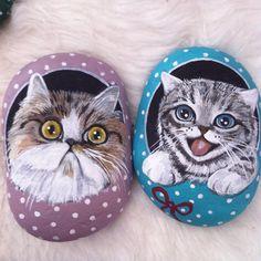 #kediler #dğal #taş #boyama #elyapımı #sevimli #şirin #ayakkabı #kediseverler #hediye #cats #stoneart #handmade #gift #catlovers #animallovers #decoration #art