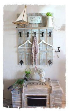 Unsere Segeltörn-Garderobe Liza könnt Ihr sehr gut mit unseren Möbel aus der Liza Serien kombinieren. Wir haben sie speziell für Großfamilien, Hotels und Gastgewerbliche Einrichtungen entworfen...