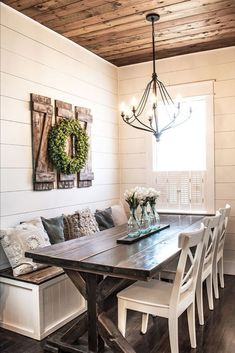 How to build simple and affordable rustic shutters - - Diyprojectgardens.club - Diy Projects Gardens - How to build simple and affordable rustic shutters – … - Farmhouse Kitchen Diy, Farmhouse Kitchen Decor, Farmhouse Style, Farmhouse Ideas, Farmhouse Design, Modern Farmhouse, Farmhouse Dining Rooms, Craftsman Kitchen, Farmhouse Front