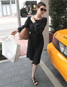 Anne Hathaway Photos: Anne Hathaway Out Shopping In Miami