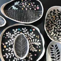 Glazing afternoon and taking this new collection to Longs Park art show this weekend. Ceramic Clay, Ceramic Plates, Porcelain Ceramics, Ceramic Pottery, Pottery Plates, Pottery Painting, Ceramic Painting, Ceramic Artists, China Painting