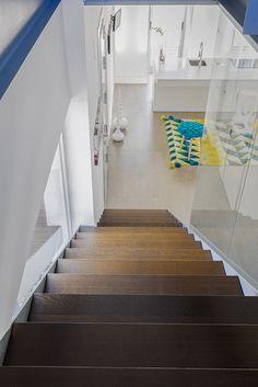 Chiralt arquitectos I Escalera peldaño de madera