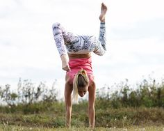Want to learn how to do a handstand?  Our guide can teach you and soon you'll be posting pics all over Instagram.  Bonus: It works your delts, lats, rhomboids, traps, arms, and core!