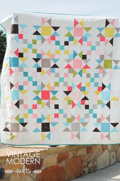 Quilt using all solid fabrics.....nice color combination.....Stars and 4-Patches by vintagemodernquilts | lisa, via Flickr