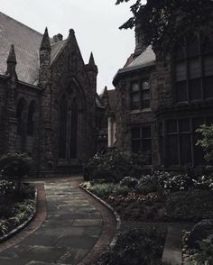 architecture is the BOMB architecture is the BOMB,Building Reference Architektur ist die Bombe Slytherin Aesthetic, Gothic Aesthetic, Tableaux Vivants, Gothic Architecture, Ancient Architecture, Story Inspiration, Belle Photo, Beautiful Places, Scenery