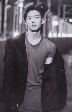 OMFG he is soooooooooooooo sexy ! 😱 Name : Kim Jo Woon Stage name : Bobby Age : 22 Group : Ikon Position : Leader, Main Rapper Kim Jinhwan, Chanwoo Ikon, Rapper, Ikon Member, Ikon Kpop, Ikon Debut, Hip Hop, Kpop Guys, Yg Entertainment