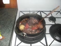 Lamb s Neck Potjiekos Oven Chicken Recipes, Dutch Oven Recipes, Lamb Recipes, Cooking Recipes, Braai Recipes, Campfire Recipes, Cooking Ideas, Dinner Recipes, South African Dishes