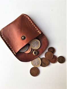 Diy Leather Coin Purse, Handmade Leather Wallet, Coin Bag, Leather Jewelry, Leather Craft Tools, Leather Crafts, Leather Projects, Canvas Bags, Homemade Tools