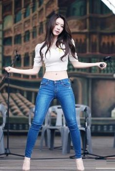 Get Skinny Legs, Skinny Jeans, Kpop Outfits, Girl Body, Sexy Jeans, Beautiful Asian Women, Sexy Asian Girls, Ulzzang Girl, Models