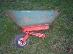 Yesterday's Tractors - Antique Garden Tractor Photos - attaches to the front of a walk behind gravely