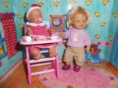 Baby Born miniworld * Baby Born mini mit Hochstuhl und großer Schwester