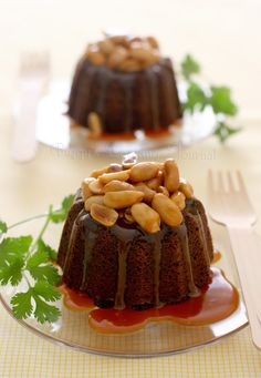 Piggy's Cooking Journal: TWD: Caramel-Peanut-Topped Brownie Cake