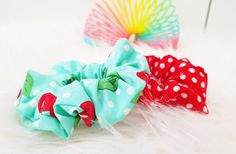 DIY scrunchie haarelastiek - Back to the ⋆ Mama van Dex & Odin - Mariska Daniels - Scrunchies How To Make Scrunchies, Brooklyn And Bailey, Make Your Own, Make It Yourself, Quilt Labels, Crochet For Kids, Lana, Free Pattern, Upcycle