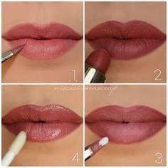 Cuatro pasos para lograr el ombré terracota. | 23 Imágenes que te llevarán a pintarte los labios con la tendencia ombré
