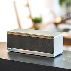 [아이리버] 깊고 선명한 진짜 사운드, 블루투스 스피커 LS50 Speaker Box Design, Music Speakers, Industrial Design Sketch, Audio Design, Transistor Radio, Shape And Form, Clean Design, Cool Designs, Design Inspiration