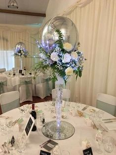 One of the biggest trends we've seen this year is incorporating balloons into your wedding design.Whether they're the ceremony backdrop, a new take on centerpieces, take a look at some of the coolest balloon decor ideas we're loving right now. Balloon Centerpieces Wedding, Masquerade Centerpieces, Paper Flower Centerpieces, Wedding Balloons, Diy Centerpieces, Wedding Decorations, Tulle Balloons, Jumbo Balloons, Balloon Flowers