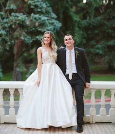 """Mi piace"": 3,228, commenti: 9 - Lazaro (@lazarobridal) su Instagram: ""The happiest brides #tiedtheknotinlazaro ✨ @whit.eliz @thebridalcollection #style3658 #couple…"""