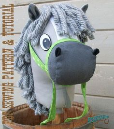Stick Horse Sewing Pattern and Tutorial Rustic por RusticHorseShoe