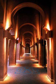 Amanjena Hotel , Marrakech, Marrocos -  Caminho para a recepção