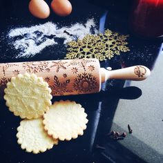 You can make your cookies look fly AF with zero effort using an embossed rolling pin.