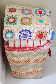crochet blanket ~ love the way the squares are joined