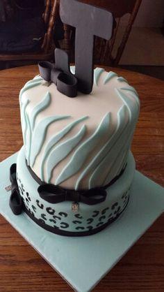Baby shower cake zebra print cheetah print #cakelady
