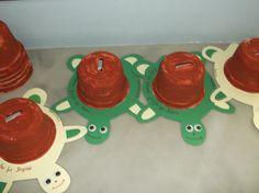 31 Οκτωβρίου Ημερα Αποταμιευσης Cup Art, Preschool Activities, Crafts For Kids, Malta, Education, Diy, Butterfly, Facebook, Scrap