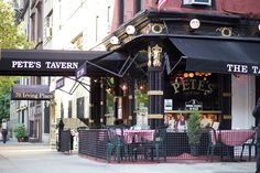 Welcome to Pete's Tavern.the Tavern O. Henry made famous! New York Bar, Go To New York, The Places Youll Go, Great Places, Union Square Nyc, Built In Bar, York Restaurants, New York City Travel, City That Never Sleeps