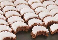 CITRONOVÉ MĚSÍČKY | Recepty Christmas Sweets, Christmas Candy, Christmas Baking, Christmas Cookies, Churros, Macaroons, Baking Recipes, Cookie Recipes, Czech Recipes