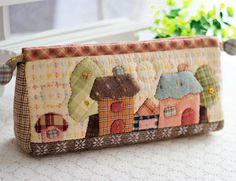 商品詳情 Patchwork Fabric, Patchwork Designs, Patchwork Bags, Sewing Appliques, Applique Patterns, Applique Quilts, Quilted Gifts, Quilted Bag, Fabric Bags