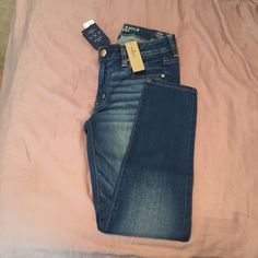 AE jegging ankles Brand new size 8 jegging ankles! Never worn brand new with tags American Eagle Outfitters Pants