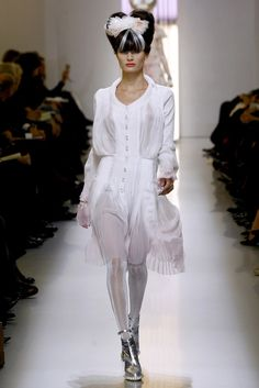 Chanel Spring 2010 Couture Fashion Show - Isabeli Fontana (Next)